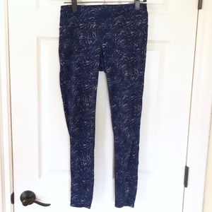 Athleta Blue swirled leggings sz. S
